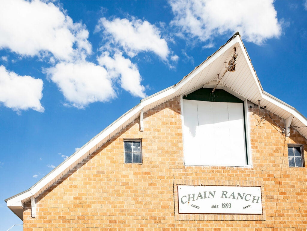 Barn Eaves Chain Ranch