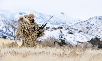 Predators: Find and Kill Broken-Country 'Yotes