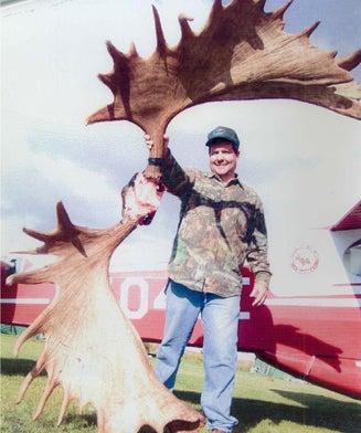 The Top 40 Biggest Moose Ever Taken