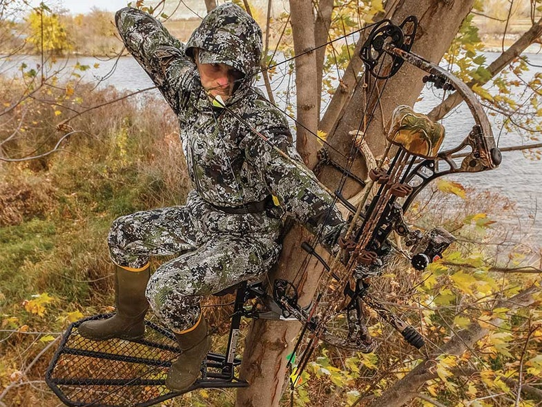 bowhunter whitetail hunting archery