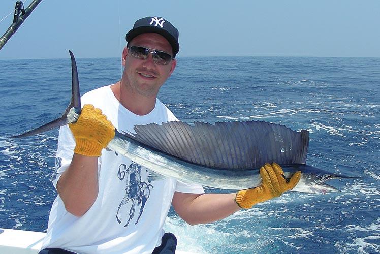 httpswww.outdoorlife.comsitesoutdoorlife.comfilesimport2013images201104140-0411fish_facts_06_0.jpg