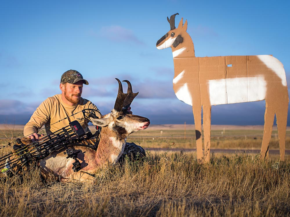 Wyoming antelope hunting using a decoy