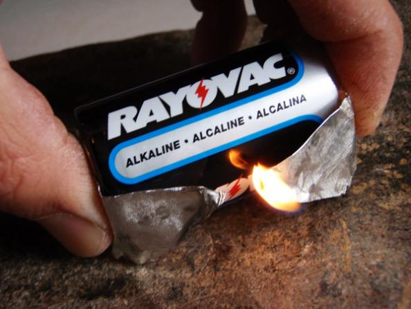 How to Start a Fire With a Gum Wrapper and Battery