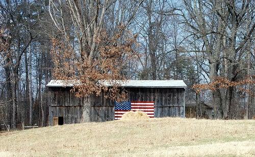 httpswww.outdoorlife.comsitesoutdoorlife.comfilesimport2013images201007US_Flag_on_barn_0.jpg