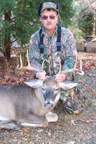 httpswww.outdoorlife.comsitesoutdoorlife.comfilesimport2014importImage2008legacyoutdoorlife125-nov08_readers_hunt_buck22.JPG