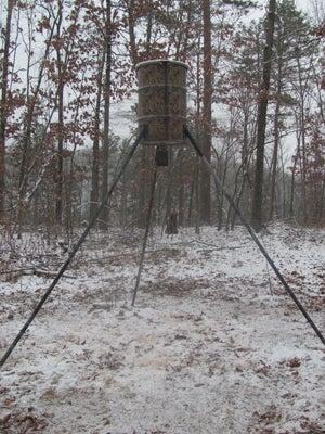 httpswww.outdoorlife.comsitesoutdoorlife.comfilesimport2014importImage2011photo10013215797x_This_remote_Ozarks_ridge_feeder_has_heavy_use_from_turkeys.jpg