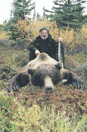 httpswww.outdoorlife.comsitesoutdoorlife.comfilesimport2014importImage2008legacyoutdoorlife125-big_bear_hunting_3_kevin_rayner.jpg