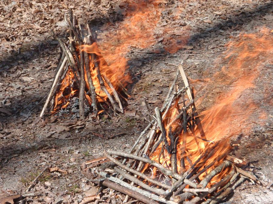 httpswww.outdoorlife.comsitesoutdoorlife.comfilesimport2014201409signal-fire.png