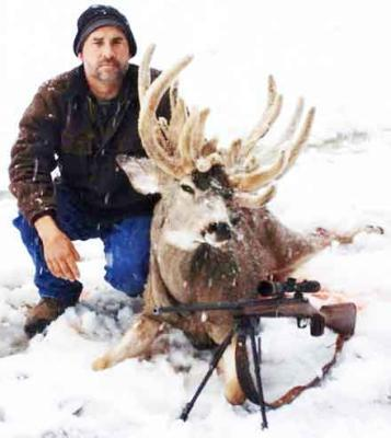 California Hunter Shoots Potential State-Record Nontypical Mule Deer