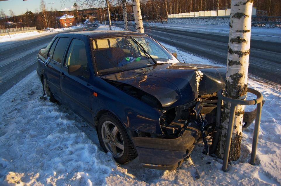 Survival Skills: 7 Ways To Survive A Car Crash