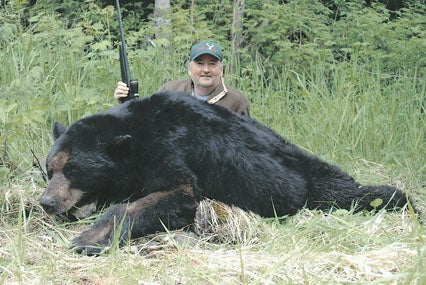 httpswww.outdoorlife.comsitesoutdoorlife.comfilesimport2014importImage2009photo38_Robert_A._Ballin_6_Coastal_bear_0.jpg