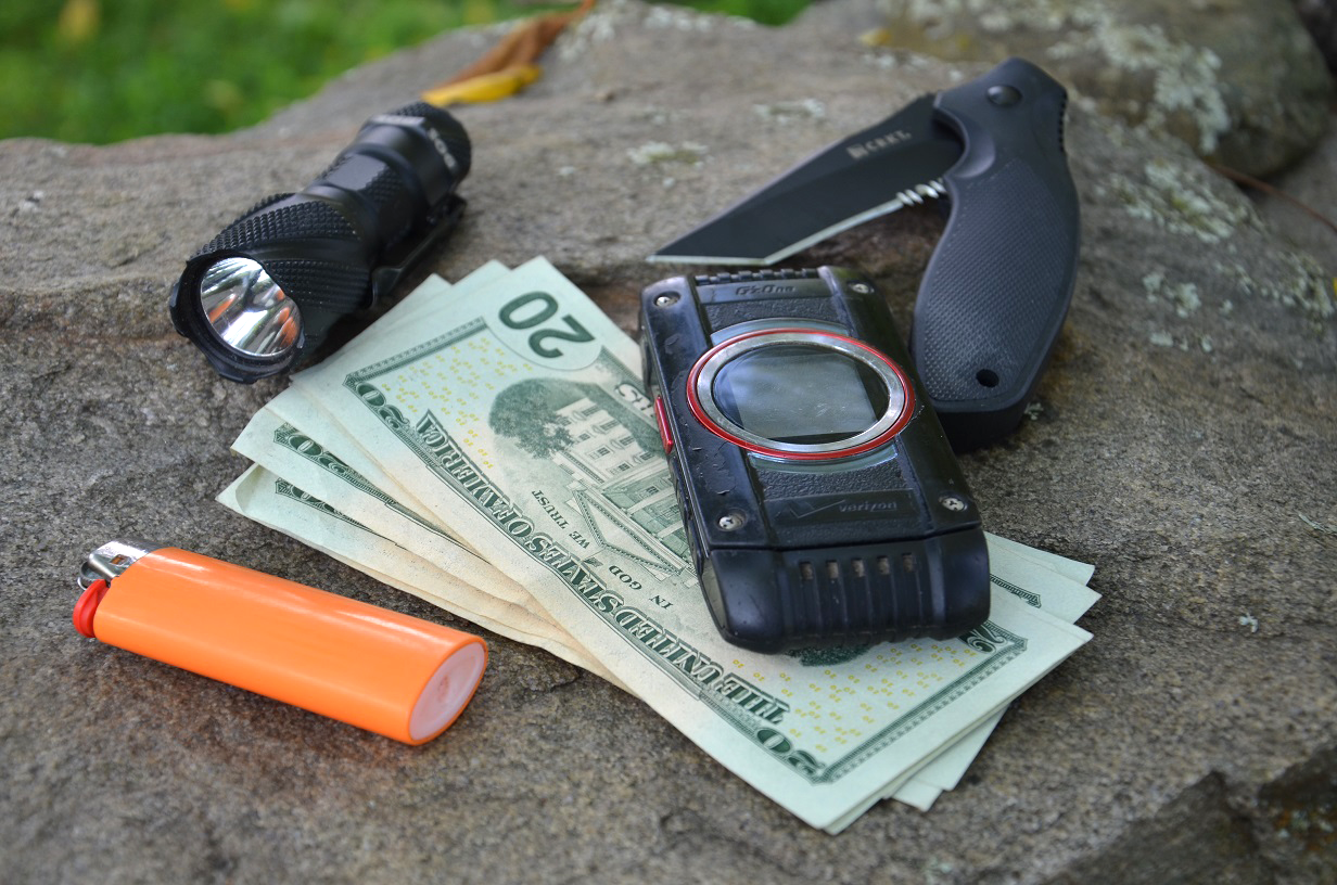 Survival Gear: 5 Emergency Items You Should Carry in Multiples