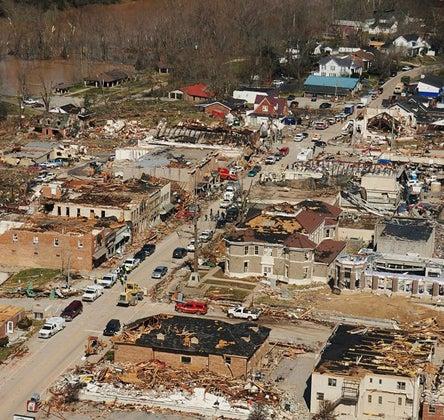 httpswww.outdoorlife.comsitesoutdoorlife.comfilesimport2014importImage2012photo1001321579_intro_tornado_damage.jpg