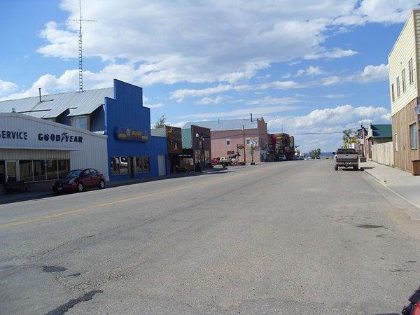httpswww.outdoorlife.comsitesoutdoorlife.comfilesimport2013images20101019_800px-Walden_Colorado_Main_Street_0.jpg
