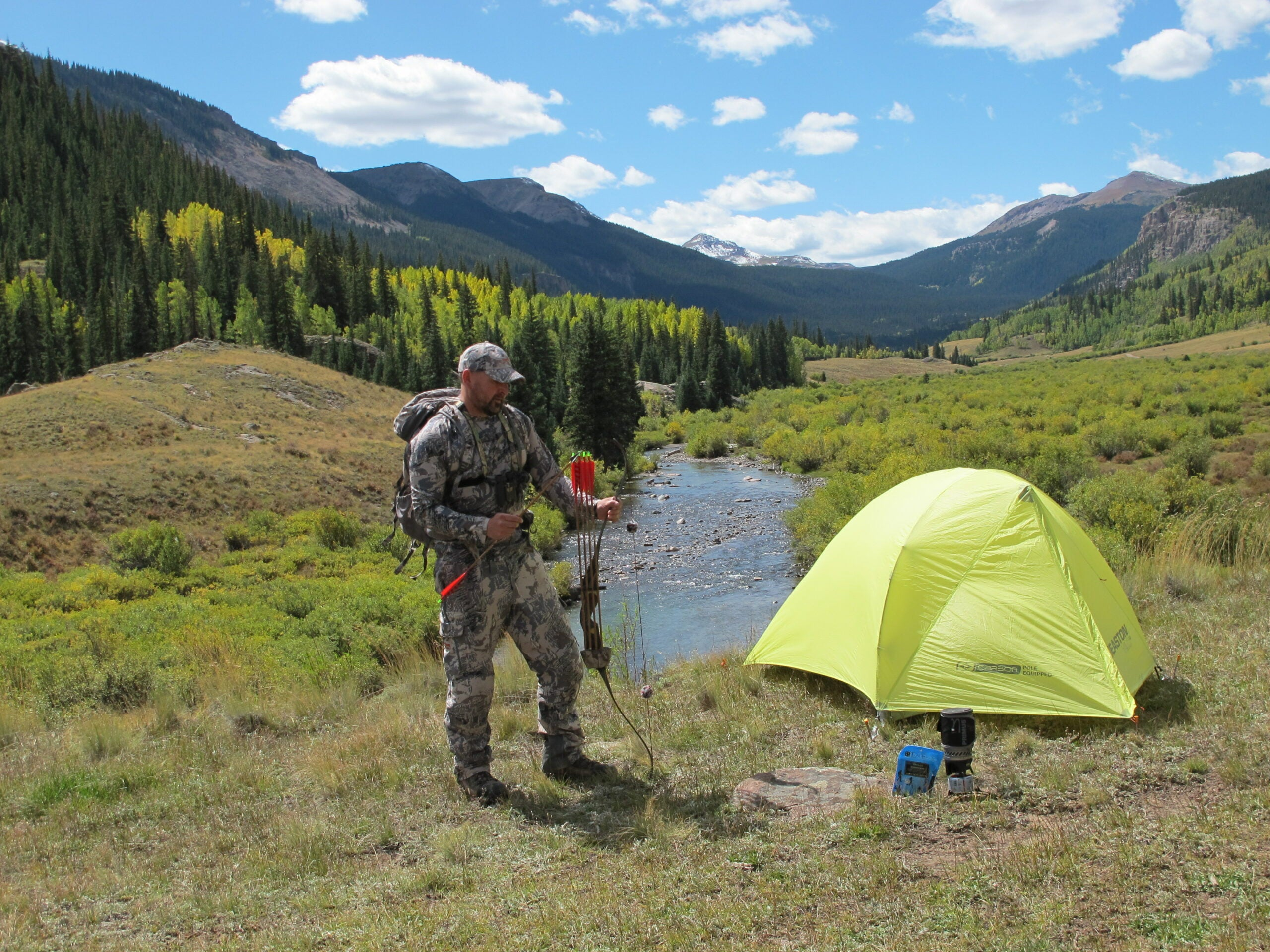 DIY Elk Hunt: Aggressive Bowhunting Tactics and Gear Tips
