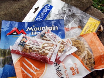 Essential Food to Pack in Your Bug Out Bag