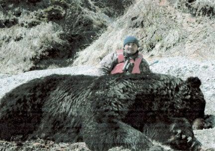 httpswww.outdoorlife.comsitesoutdoorlife.comfilesimport2014importImage2008legacyoutdoorlife125-big_bear_hunting_6_vasily_shadrin.jpg