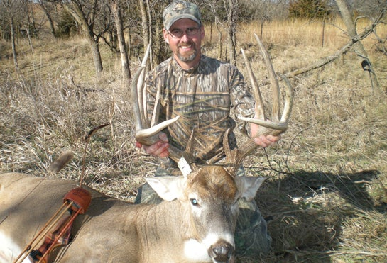 Third Time is the Charm for Bowhunter On 183-Inch Kansas Buck