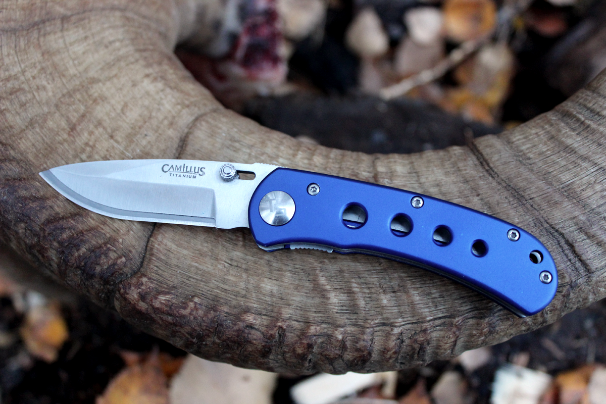 The Best Replaceable Blade Hunting Knife Yet: Camillus TigerSharp Folder
