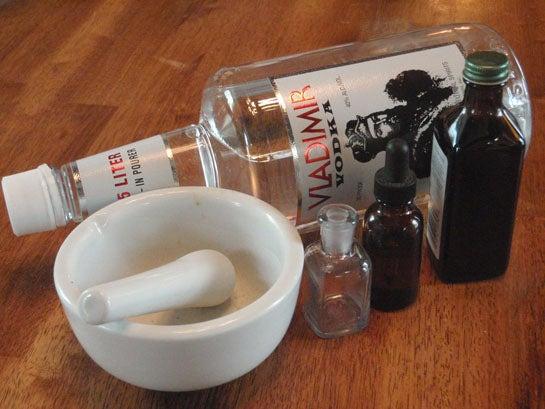 Survival Skills: How to Make Wild Medicine Tinctures