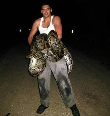 Florida Man Kills 18-Foot Wild Burmese Python With a Knife, Sets Record