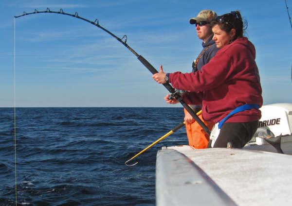 httpswww.outdoorlife.comsitesoutdoorlife.comfilesimport2014importImage2009photo7Julies_wreckfish_fight_0.jpg