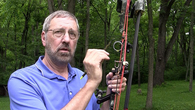 How to Choose the Correct Bow Peep Sight Size