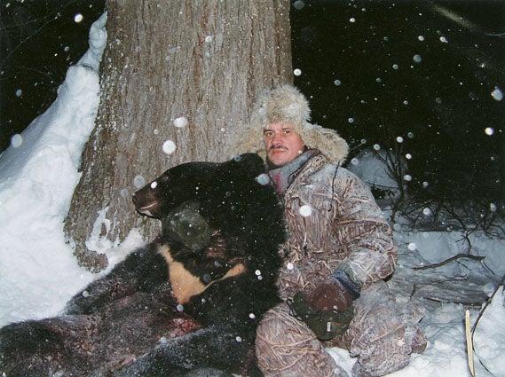 httpswww.outdoorlife.comsitesoutdoorlife.comfilesimport2014importImage2008legacyoutdoorlife125-big_bear_hunting_9_vladimir_gubarev.jpg