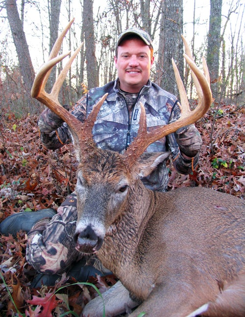 Buckling Down During the Rut Pays Off With Massive 9-Pointer