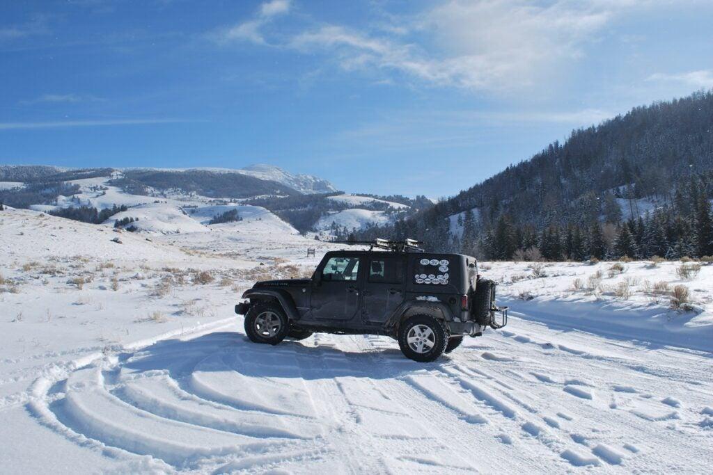 httpswww.outdoorlife.comsitesoutdoorlife.comfilesimport2014importImage2011photo6jeep_in_snow_3.jpg