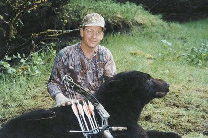 httpswww.outdoorlife.comsitesoutdoorlife.comfilesimport2014importImage2008legacyoutdoorlife125-big_bear_hunting_4_dyrk_eddie.jpg
