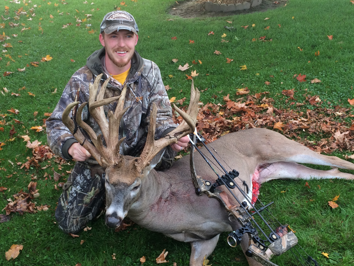How One Genius Formula Helped Tag Early-Season Wisconsin 216-Inch Giant