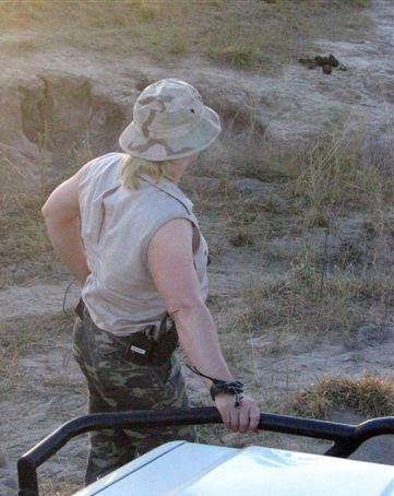 httpswww.outdoorlife.comsitesoutdoorlife.comfilesimport2014importImage2008legacyoutdoorlifeelephant_huntress_6.jpg