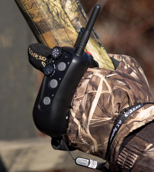 First Look: Hands-Free E-Collar Transmitter from D.T. Systems