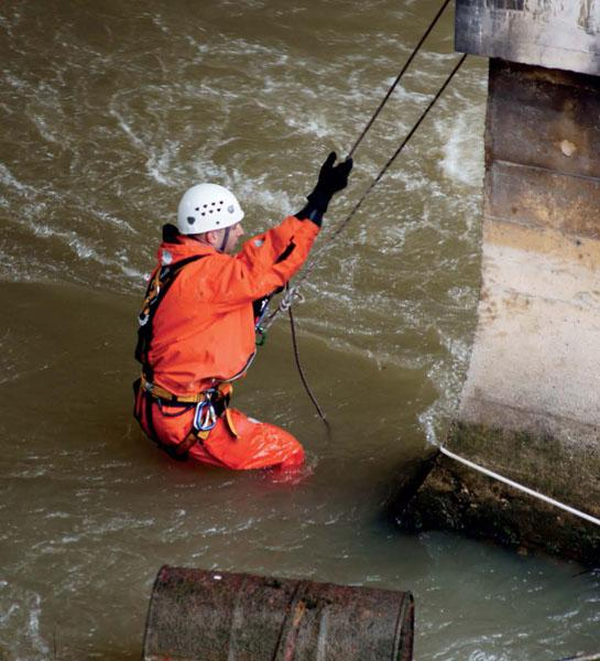Hurricane Safety Tip: How to Rescue Someone Caught in a Flood