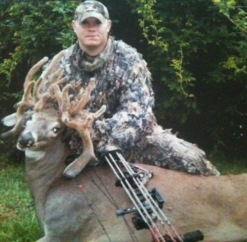 U.S. Soldier Takes 30-Point 'Cactus Buck,' Potential Kentucky State Record