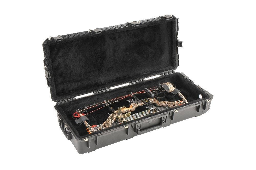 SKB injection molded bow case