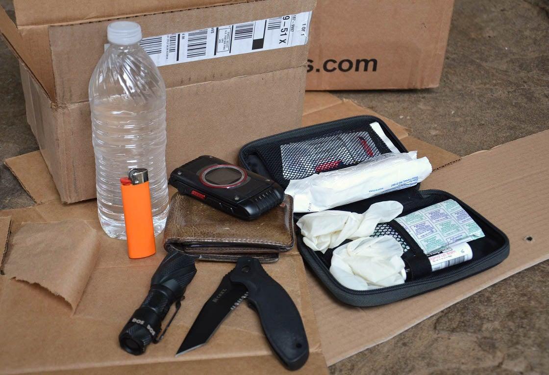 Survival Kit: 10 Essential Pieces of Urban Survival Gear
