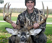 Teen Takes 17-Point Buck in NY