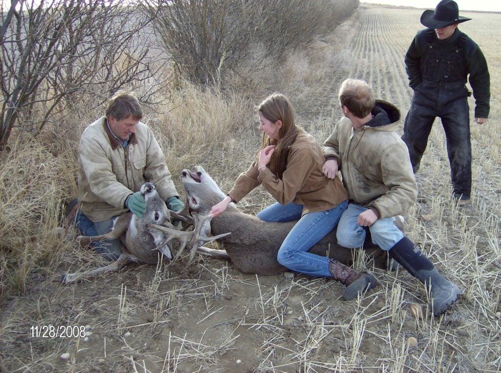 httpswww.outdoorlife.comsitesoutdoorlife.comfilesimport2014importImage2009photo30010Deer_at_Paces_Farm_006_0.jpg