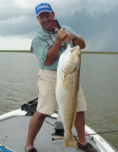 httpswww.outdoorlife.comsitesoutdoorlife.comfilesimport2014importImage2008legacyoutdoorlifebob_mcnally_redfish_8.jpg