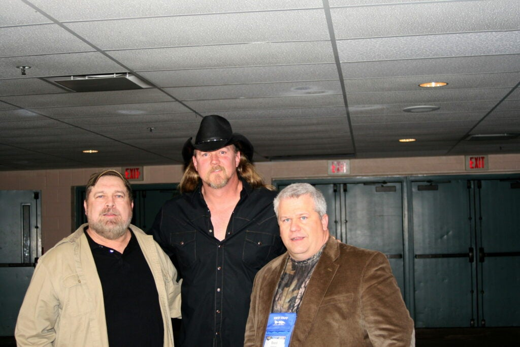 httpswww.outdoorlife.comsitesoutdoorlife.comfilesimport2014importImage2011photo30010Ray_Eye__and_Brent_Lawernce_NWTF_Back_Stage_with_Country_music_star_Trace_Adkins.JPG
