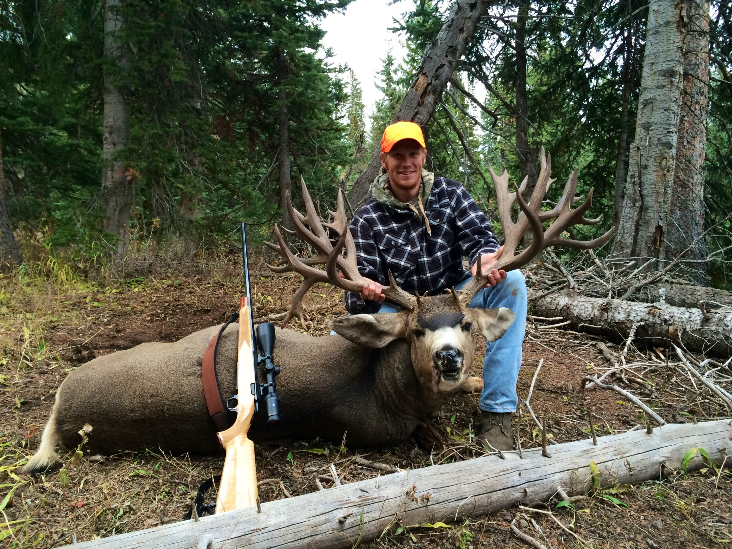 Big Bucks: Colorado Hunter Brett Ross Kills 292-Inch Mule Deer