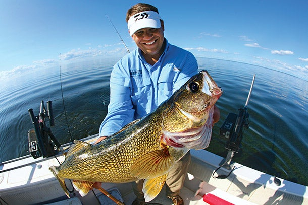 Learn How to Read Your Sonar for Better Spring Walleye Fishing