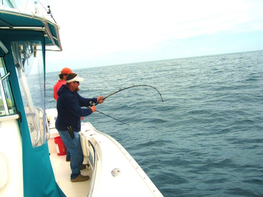 httpswww.outdoorlife.comsitesoutdoorlife.comfilesimport2014importImage2009photo3Sean_Doran_fights_a_golden_tilefish_from_800_feet_0.jpg