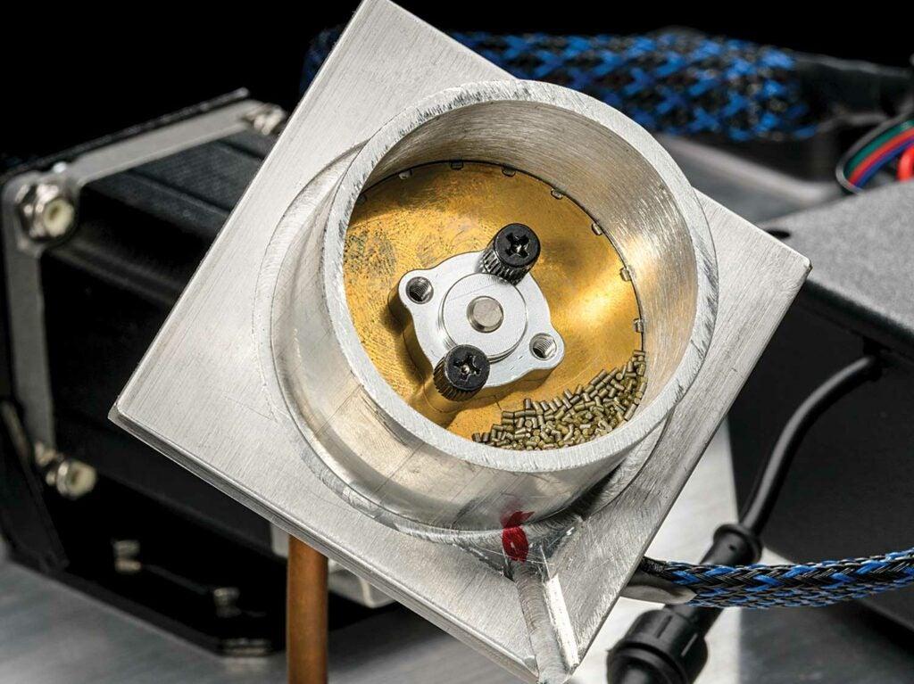 powder kernels on a brass sing disc