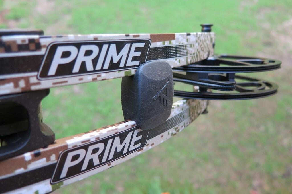 compound bow with a torque elimination system