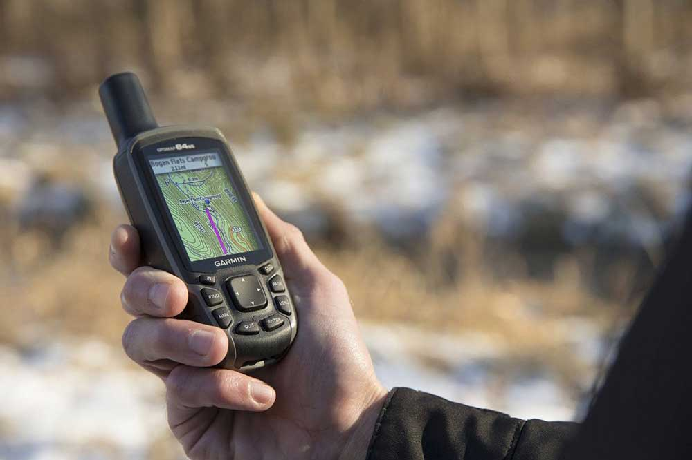 3 Features to Look for in a Handheld GPS