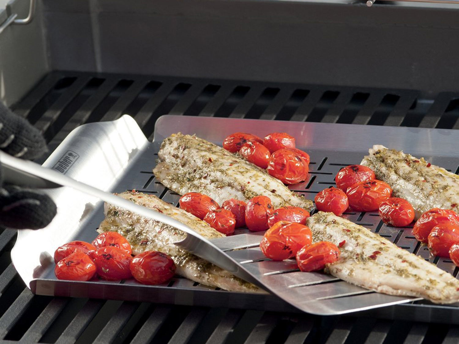 Weber Style 6435 Professional-Grade Grill Pan