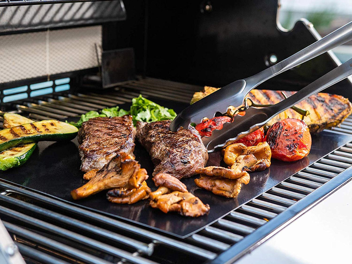 3 Reasons to Use a Grilling Mat